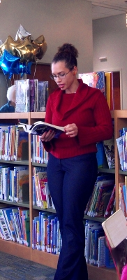 Reading from Tedenbarr of Have Lath in the Children's Library